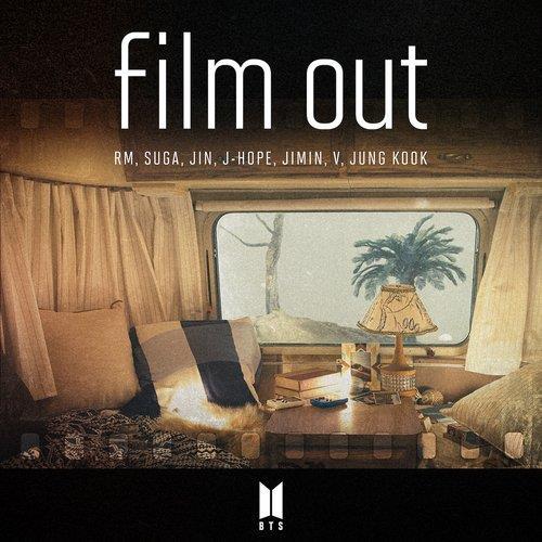 防弹少年团《Film Out》封面 经纪公司供图(图片严禁转载复制)