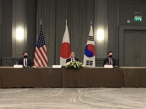 当地时间5月5日,韩美日外长会谈在伦敦一家酒店举行。韩联社