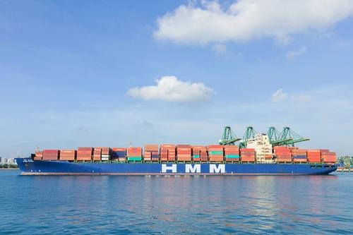 韩船企HMM追投货轮支援出口