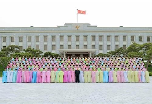 韩统一部:疫情下金正恩公开活动少于往年