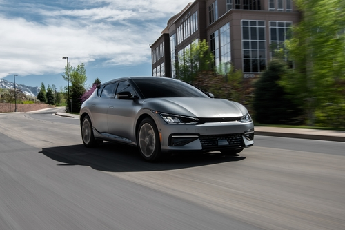 起亚首款电动汽车EV6在美预售一天告罄