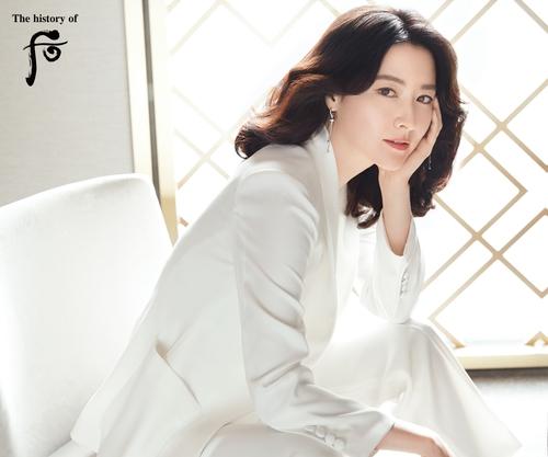 """李英爱与韩妆品牌""""后""""续签代言合同"""