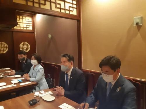 韩议员团吁推动韩半岛和平法案获美国会通过