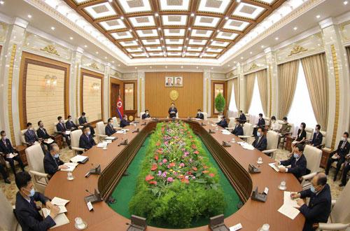朝鲜二把手崔龙海保职位 军委副委员长疑罢免