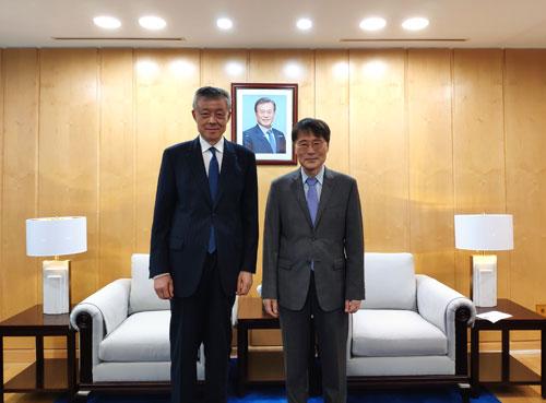 中国对朝代表建党节前会见韩国驻华大使