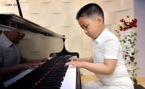 朝媒宣传音乐神童摇篮庆上幼儿园