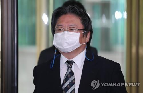 7月13日,韩国外交部召见日本驻韩使馆总括公使相马弘尚。 韩联社