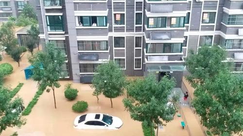 河南暴雨致一韩国人被困家中