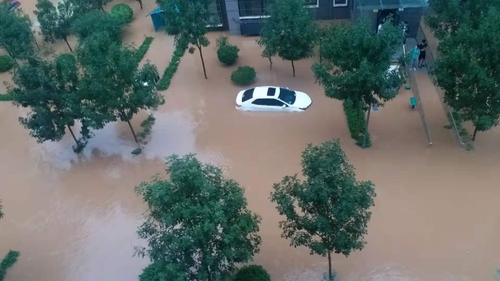 中国河南省新乡市一公寓被水淹 宣玉京供图