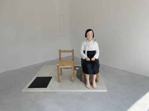 在慕尼黑展出的和平少女像 韩联社