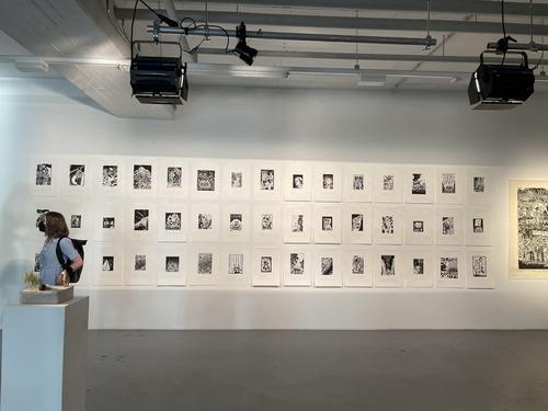 当地时间7月21日,在德国慕尼黑的画廊Super+CenterCourt,韩日艺术家企划展览开幕。 韩联社