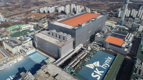 SK海力士第二季营业利润同比增38.3%