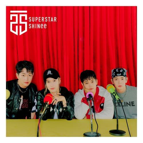 SHINee在日本发布的首张迷你专辑《SUPERSTAR》封面照 韩联社/SM娱乐供图(图片严禁转载复制)