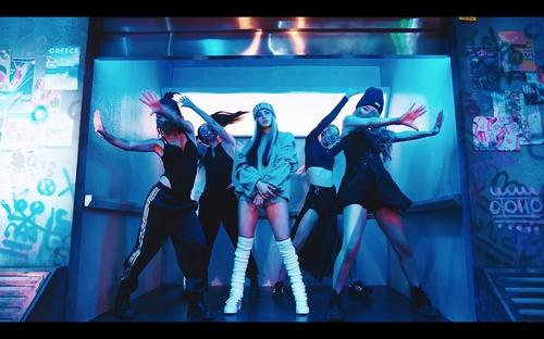 LISA单曲优兔上线24小时播放量创个人歌手之最