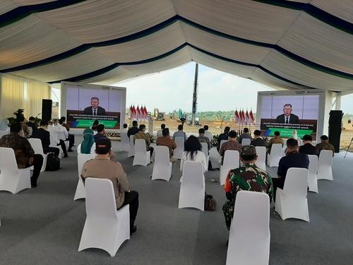 现代汽车集团和LG能源解决方案公司在印尼合资建设电动汽车电池厂动工仪式现场 韩联社