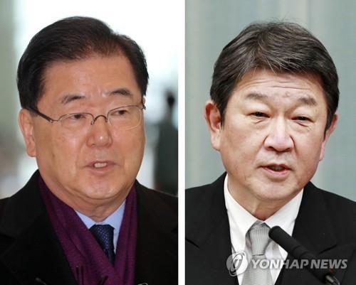 资料图片:韩国外交部长官郑义溶(左)和日本外交大臣茂木敏充 韩联社