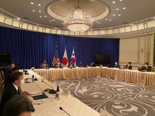 韩美日外长在纽约会晤讨论半岛问题