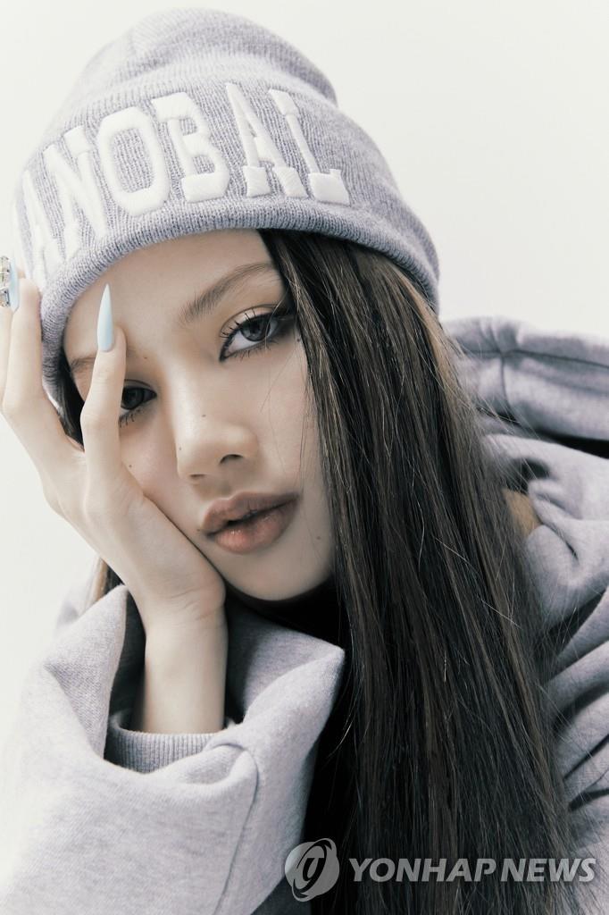 资料图片:LISA 韩联社/YG娱乐供图(图片严禁转载复制)