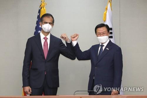 韩美联合国防协商机制会议在首尔启动
