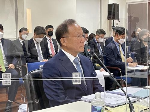 当地时间10月13日,在华盛顿的韩驻美使馆,李秀赫答议员问。 韩联社