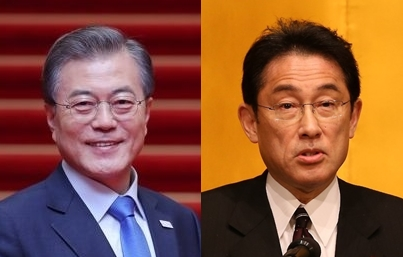 资料图片:文在寅(左)和岸田文雄 韩联社