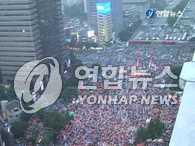 6•10烛光集会 10万群众走上街头