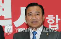韩政府小幅改组 执政党李完九获总理提名