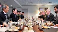 韩美防长会晤提及部署战术核武与核潜艇