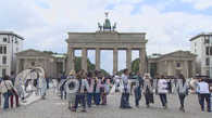 统计:近十年820人弃朝投欧 多入籍英德