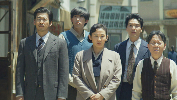 韩国票房:《词典》持续领跑累计观影破百万