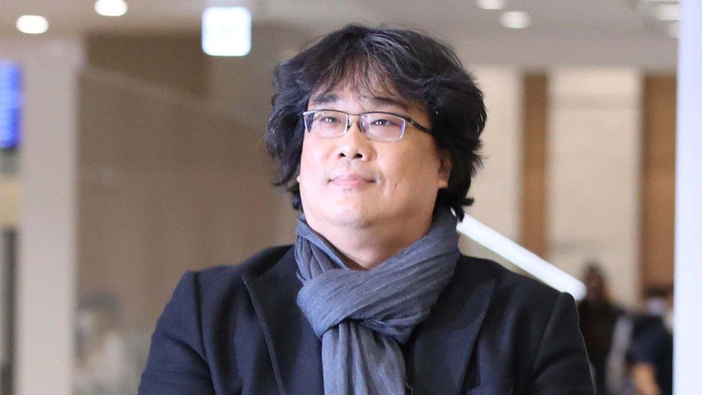 奥斯卡最大赢家《寄生虫》导演奉俊昊凯旋返韩