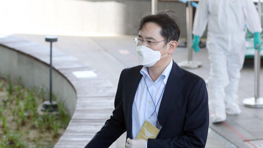 三星电子副会长李在镕受讯否认检方指控