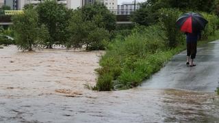 韩国十天暴雨致近7000人受灾