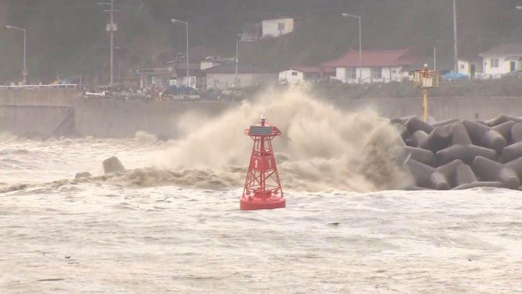 """台风""""海神""""移至江原道以北海域"""