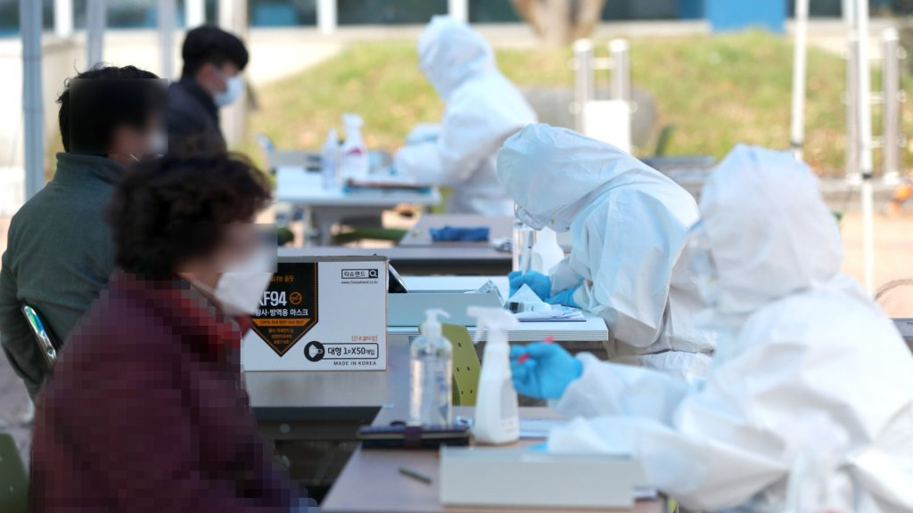 韩首都圈防疫响应明起升至2级防控力度加大