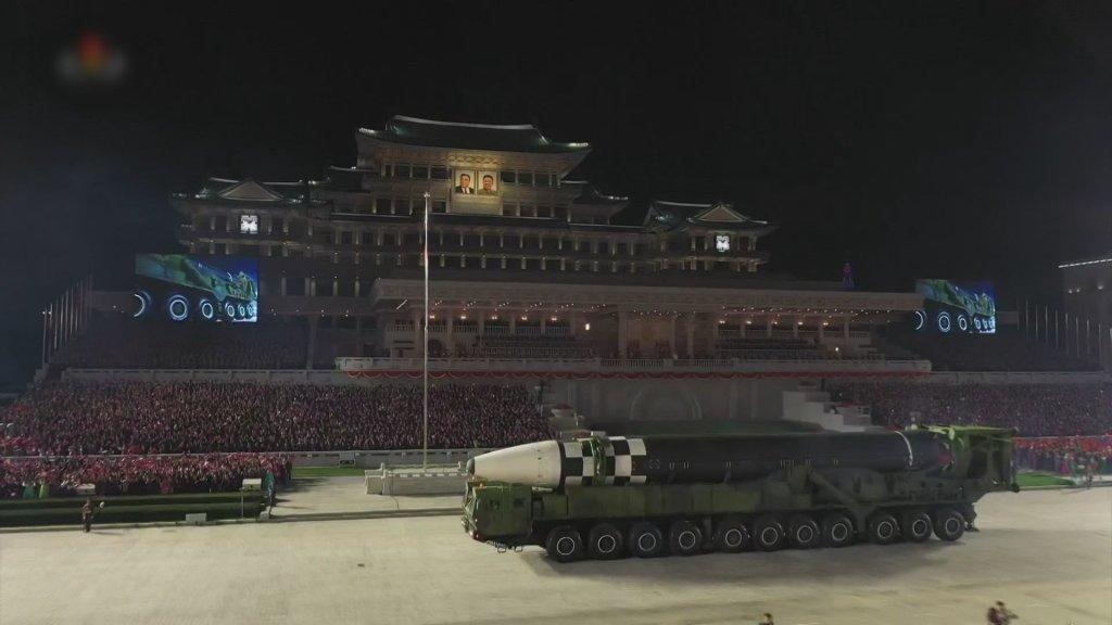 韩军发现朝鲜昨夜举行阅兵式迹象