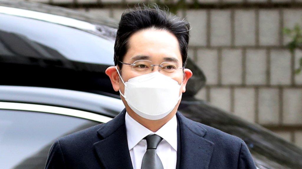李在镕行贿案重审获刑2年半当庭被捕
