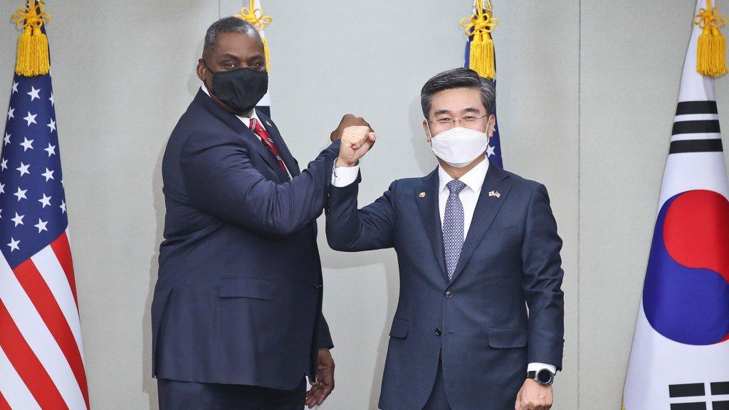 韩美防长会晤确认韩美日安全合作重要性