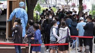 韩国新增2111例新冠确诊病例 累计358412例