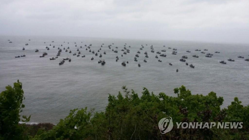 韩国西部海域非法捕捞中国渔船日均超百艘