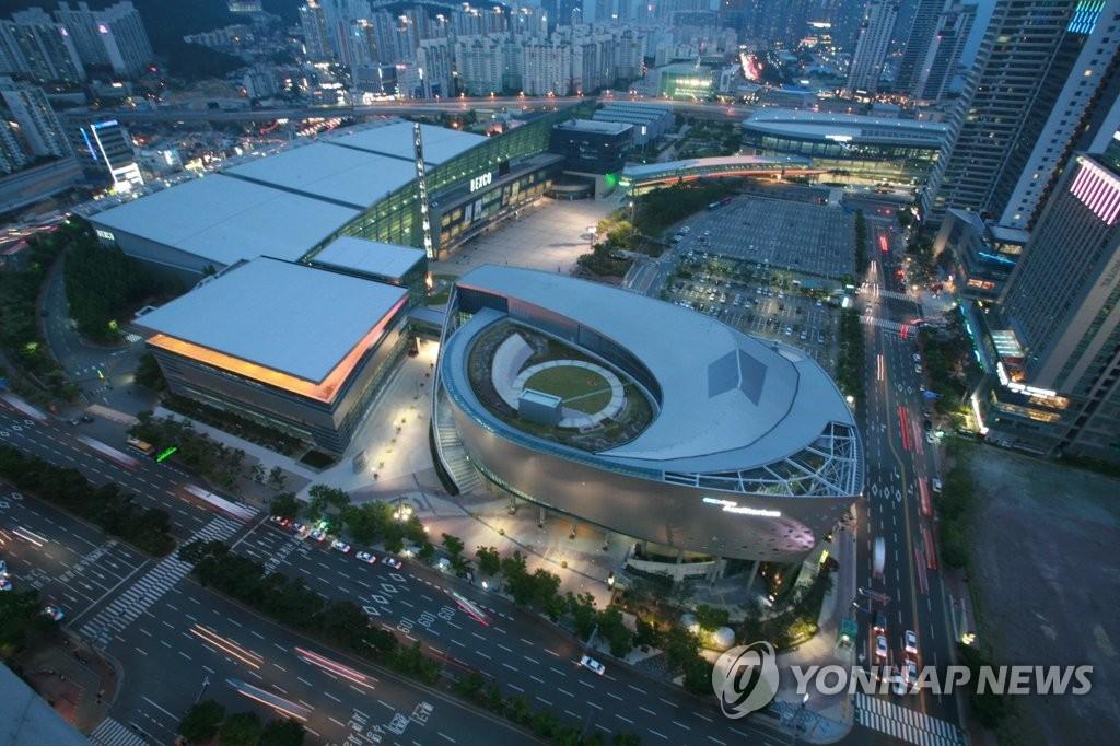 中国队将从卡塔尔直飞韩国参加釜山世乒赛