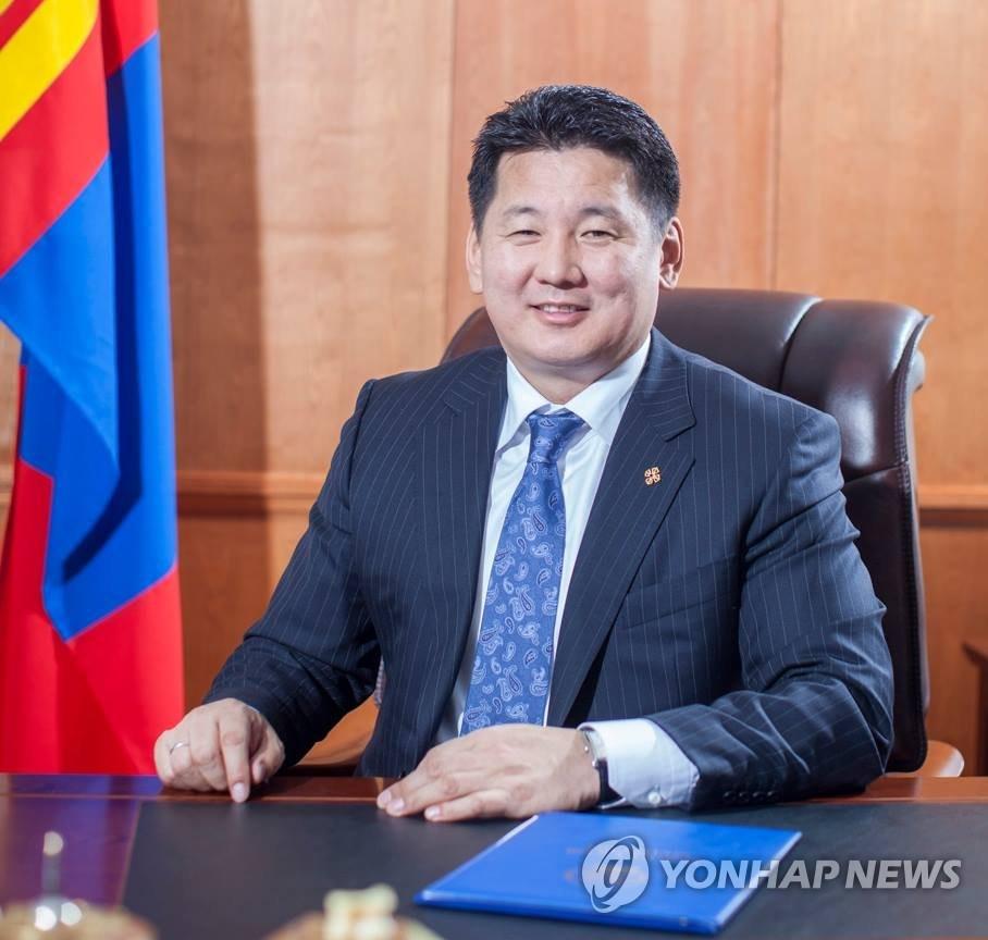 资料图片:蒙古国总理呼日勒苏赫(韩联社/呼日勒苏赫脸谱)