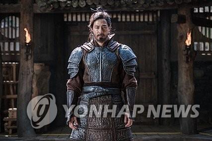 韩国票房:赵寅成《安市城》累计观影人次破百万