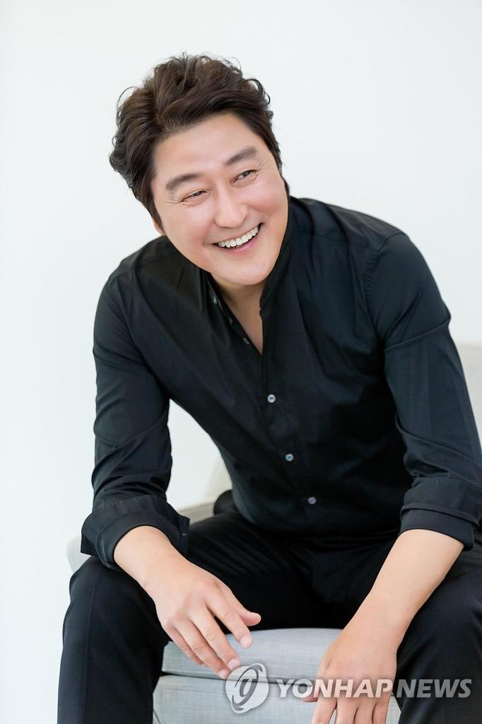宋康昊成洛迦诺电影节卓越奖首位亚洲得主