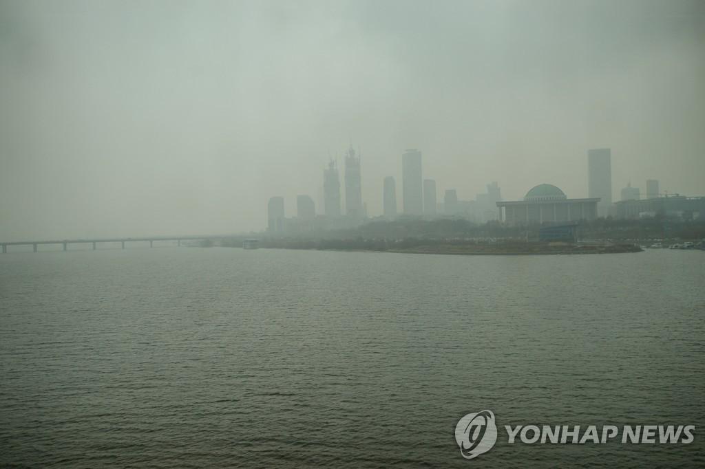 首尔雾霾压城(韩联社)