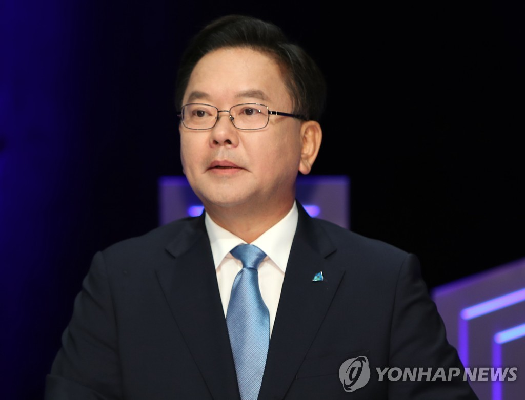简讯:韩国总理和五部长官换人
