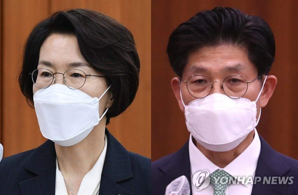 资料图片:科学技术信息通信部长官林惠淑(左)和国土交通部长官卢炯旭。 韩联社