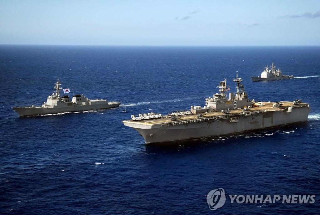 韩美明起进行联合指挥所演习