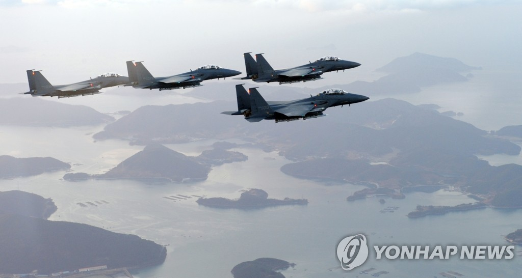 F-15战斗机在西海待命