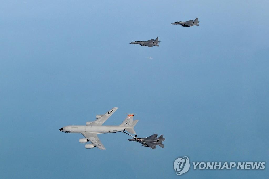韩美军演中的韩国战斗机